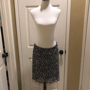 Flattering Jones NY floral skirt in EUC